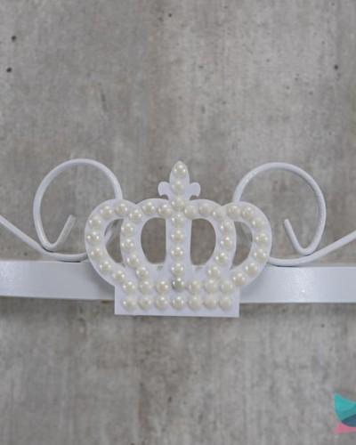 Detalhes do produto Dossél Branco Arabesco Rococó com Coroa de Pérolas