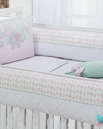 Detalhes do produto Kit Berço 8 Peças Elefantinhos e Balões Rosa e Verde Tecido Geométrico