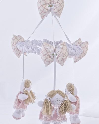 Detalhes do produto Mobile Boneca Arabesco Rosê
