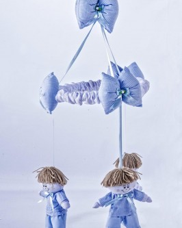 Móbile Boneco Azul Xadrezinho