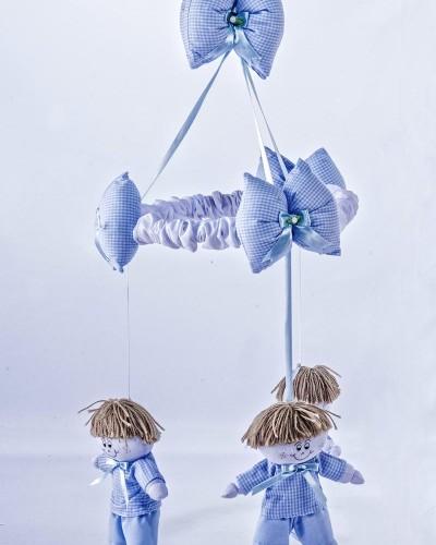 Detalhes do produto Móbile Boneco Azul Xadrezinho